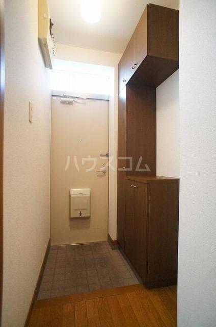 グレイスコート 01020号室の玄関