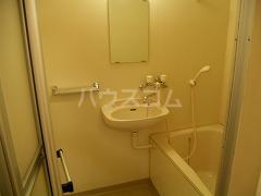 リンデンハウス 01020号室の洗面所