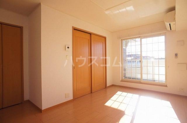 プリマヴェーラ 02030号室のリビング