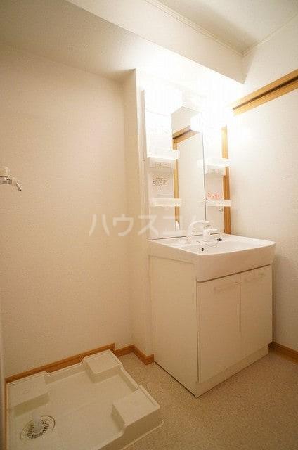 プリマヴェーラ 02030号室の洗面所