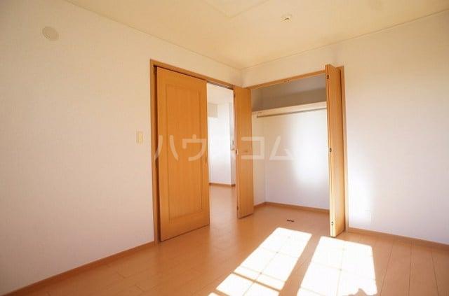 プリマヴェーラ 02030号室の収納