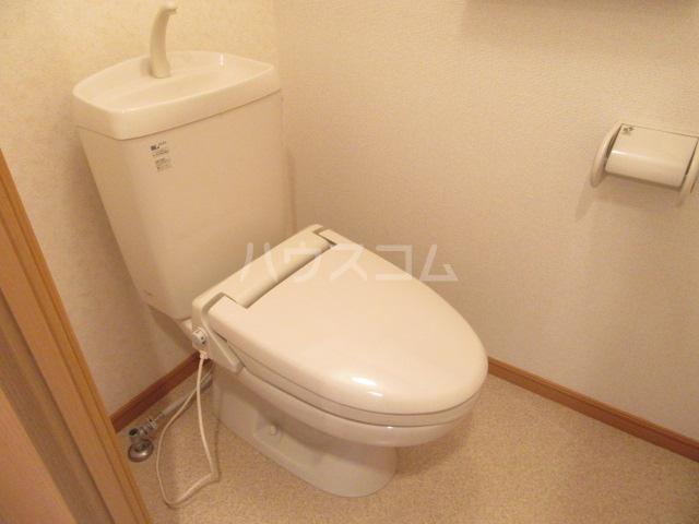 ヴィクトワール 02010号室のトイレ