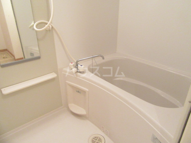 ヴィクトワール 02010号室の風呂