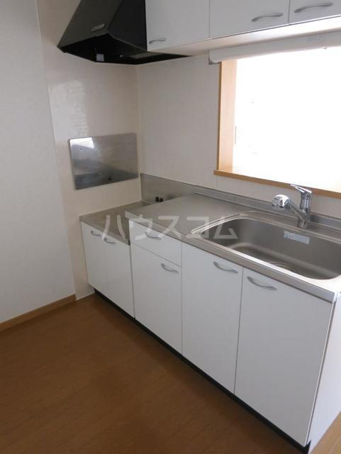 サンパティーク B 201号室のキッチン