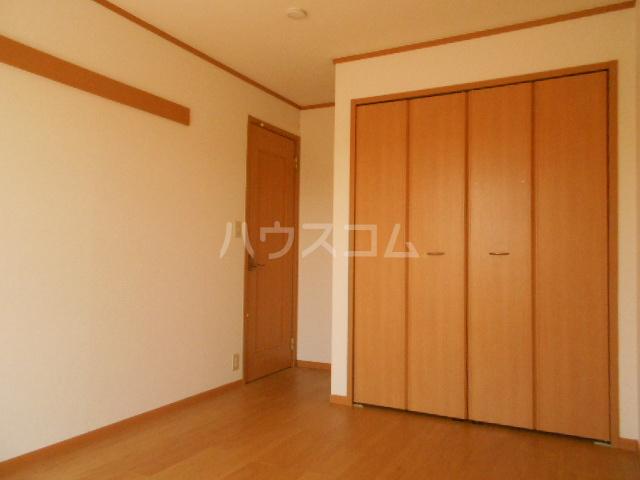 プラシードA 201号室のベッドルーム