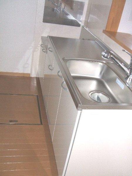 ラフィーネA A103号室のキッチン