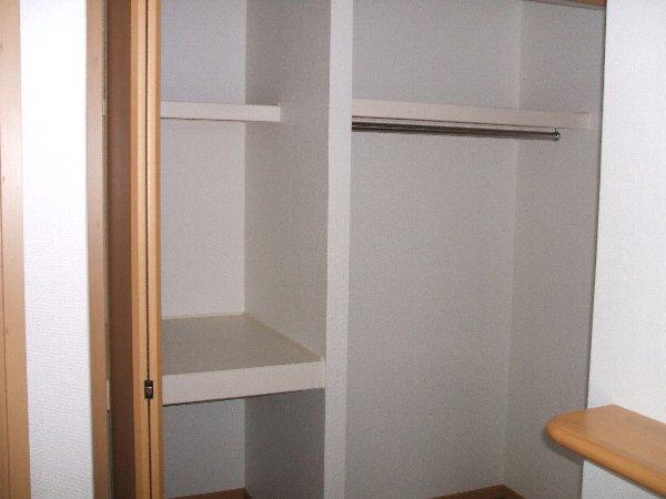 ラフィーネA A103号室の収納