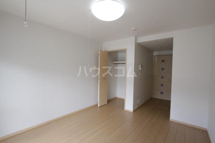 メゾン ド アウローラ 304号室の居室