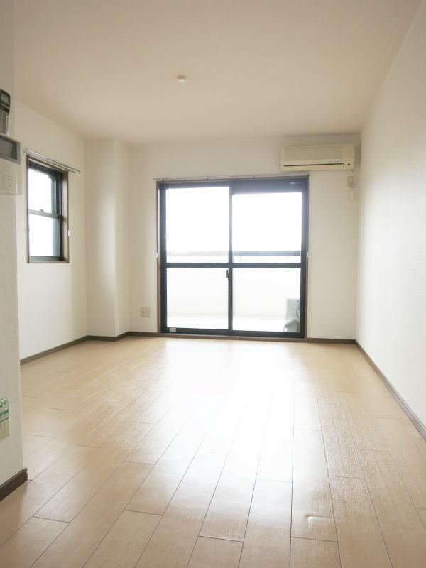 シャルマン21 502号室の居室