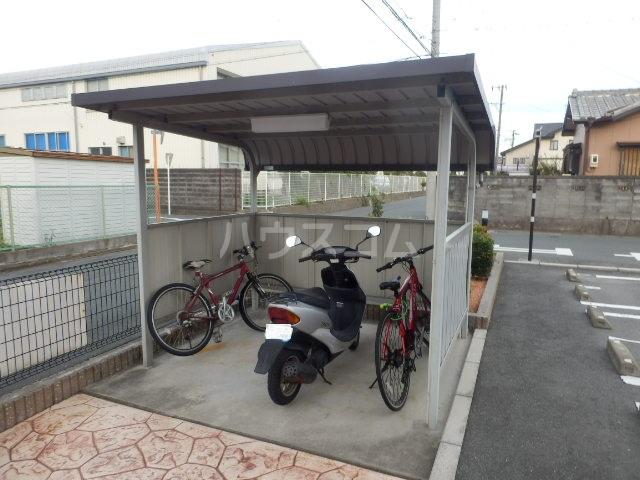 サンパール 01010号室の駐車場