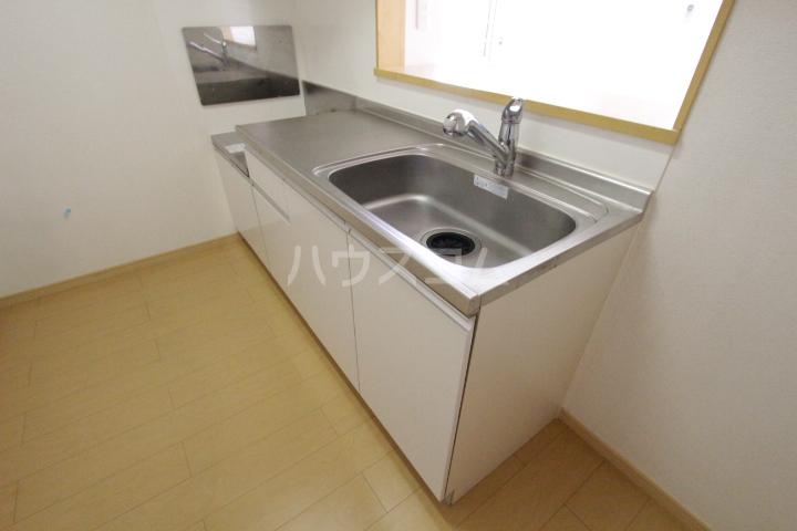 ミリオンベルB 202号室のキッチン