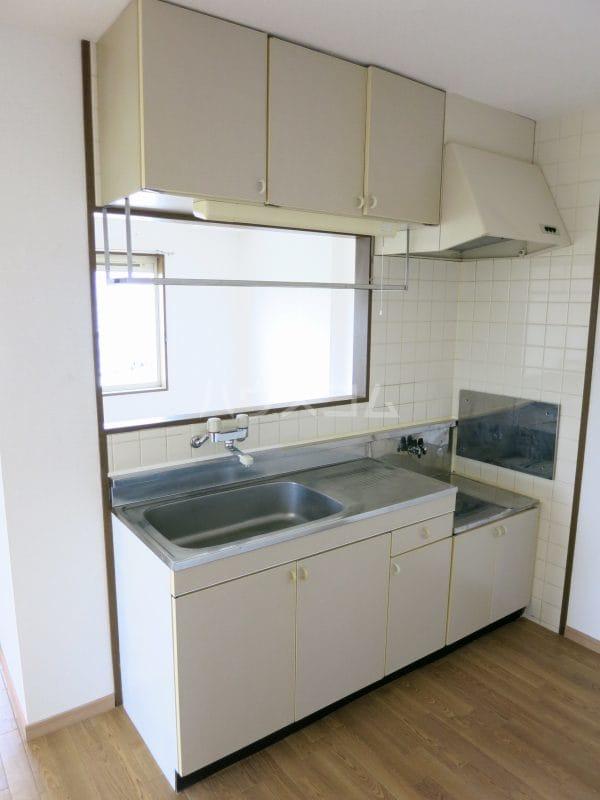 ファミールY.S 103号室のキッチン