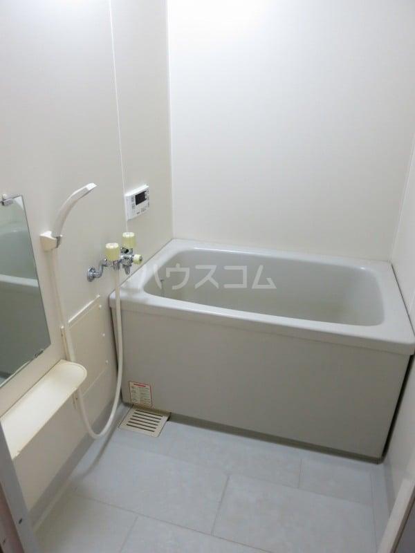 ファミールY.S 103号室の風呂