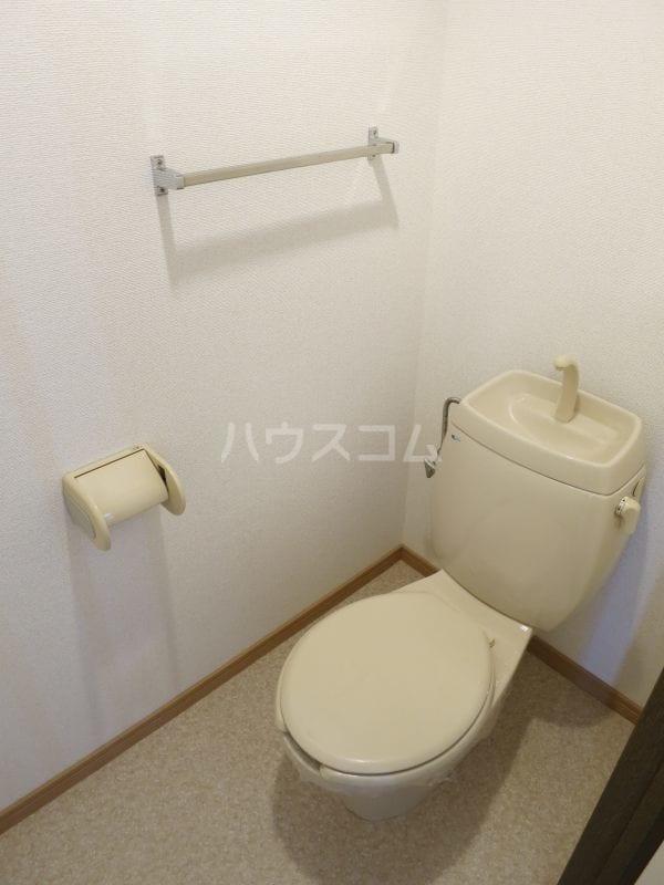 ファミールY.S 103号室のトイレ