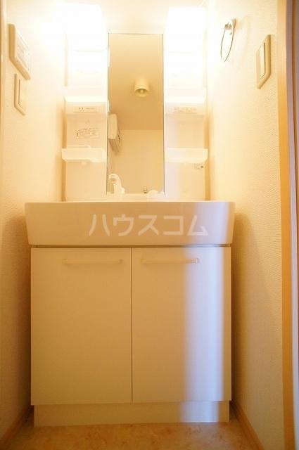 サン・クローネ チヨダB 02040号室の洗面所