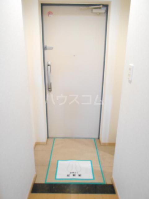 Cruzo BB 201号室の玄関