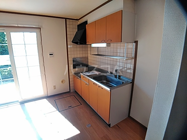 アンセートル城屋敷 B 102号室のキッチン