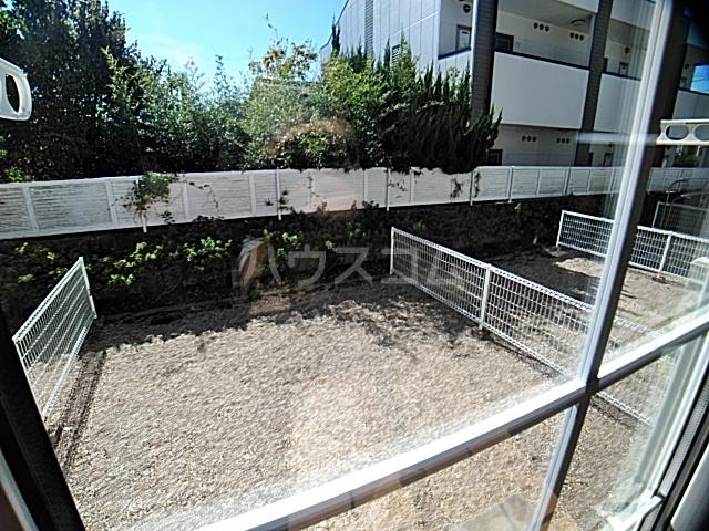 アンセートル城屋敷 B 102号室の庭