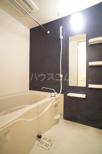 メゾンシュクレ Ⅰ(アン) 204号室の風呂
