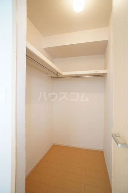 メゾンシュクレ Ⅰ(アン) 204号室の収納