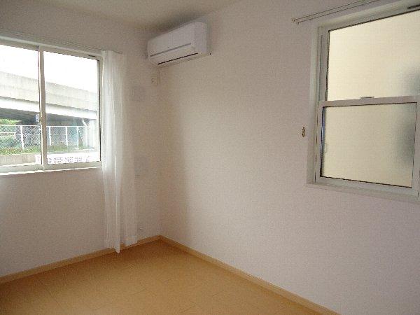 フーガ宮司浜 A 02030号室のリビング