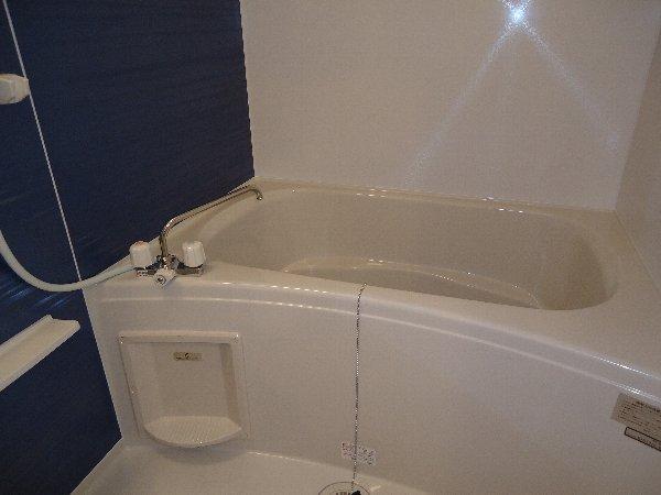 フーガ宮司浜 A 02030号室の風呂