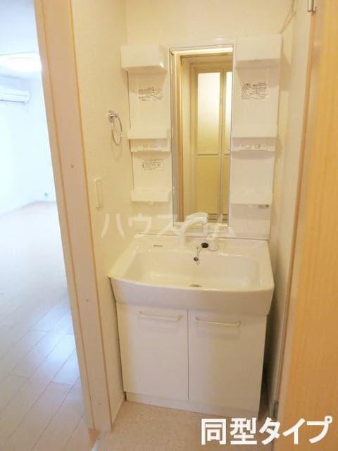 コルソプレッソⅡ 105号室の洗面所