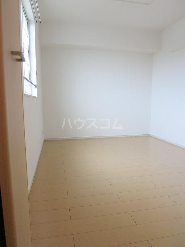 カモミール 201号室の居室