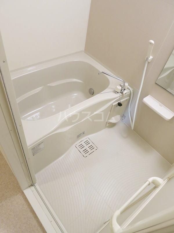 カモミール 201号室の風呂
