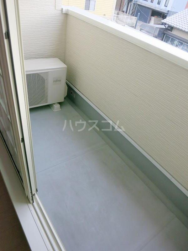 カモミール 201号室のバルコニー