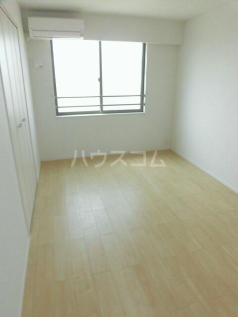 メゾンミニョン 301号室の居室