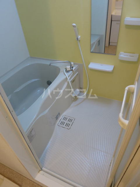 アンソレイエ A 105号室の風呂