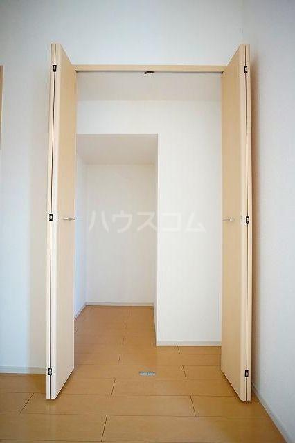 リュミエールレーヴE 01010号室の収納