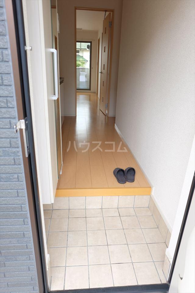 カレント 01020号室の玄関