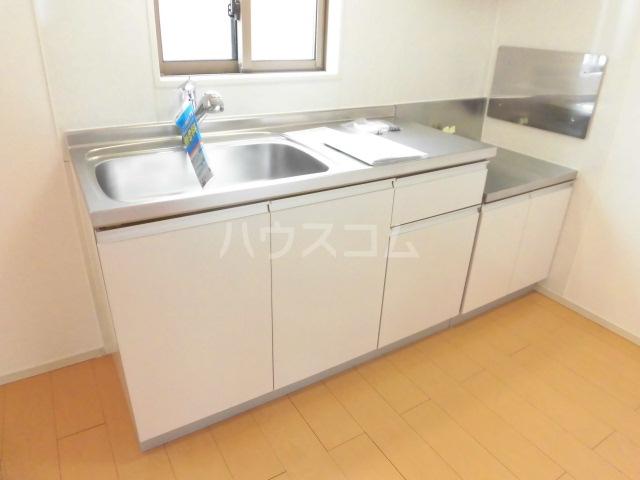 ブランドールⅡ 02020号室のキッチン
