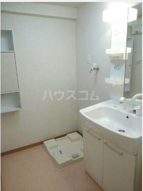 ハーベストウムサ 204号室の洗面所