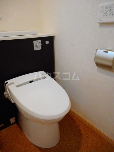 オークヴィラ 302号室のトイレ