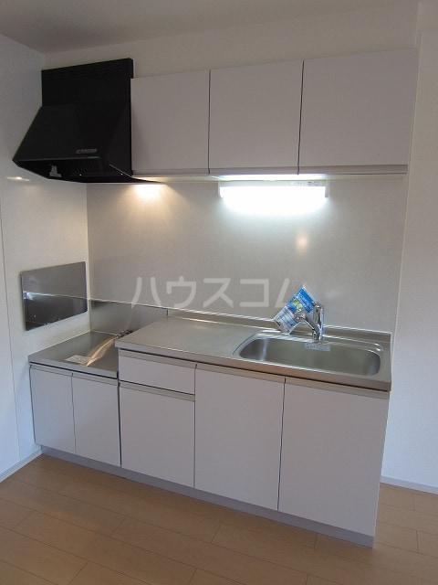 フォレストKM Ⅵ 202号室のキッチン