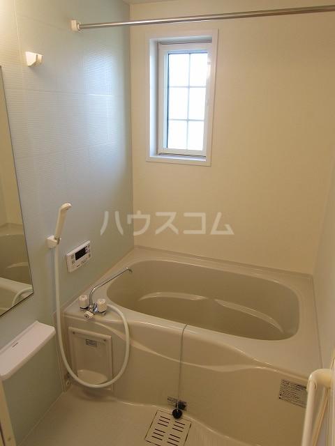 フォレストKM Ⅵ 202号室の風呂