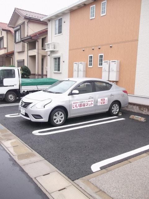 フォレストKM Ⅵ 202号室の駐車場