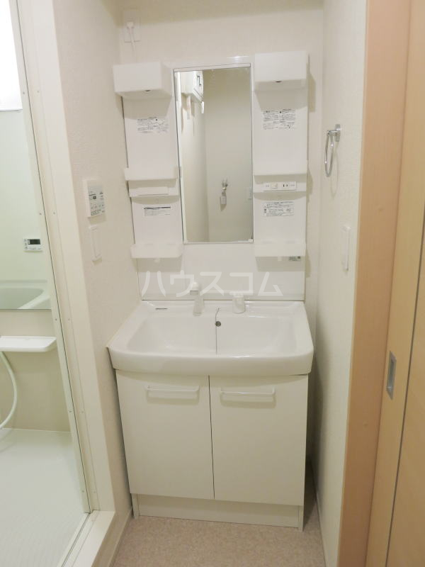 プリムラⅡ 103号室の洗面所