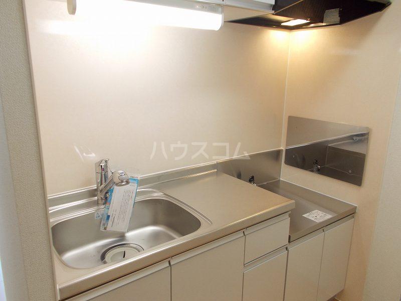 ビオーラ B 01010号室のキッチン