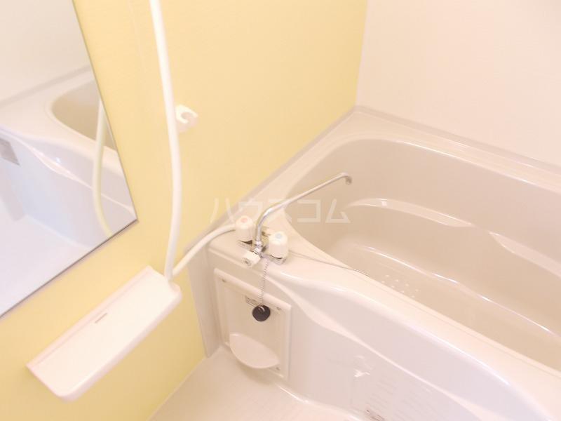 ビオーラ B 01010号室の風呂