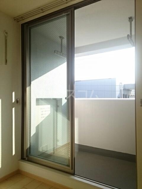 トレス中田 402号室のバルコニー
