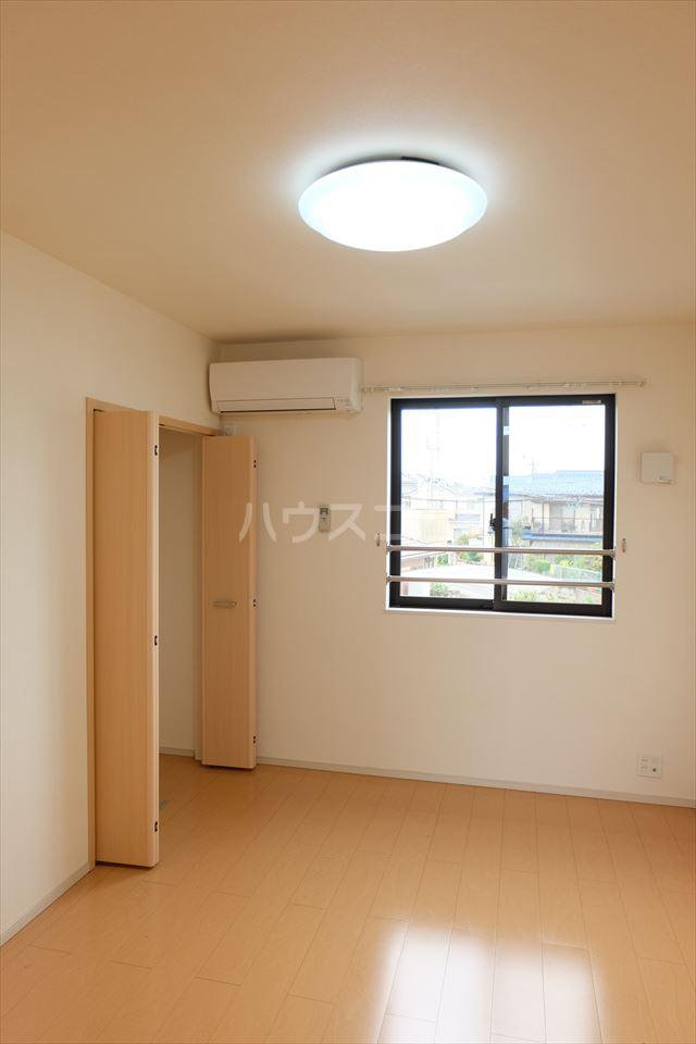 サン フェリーチェ 02020号室の居室