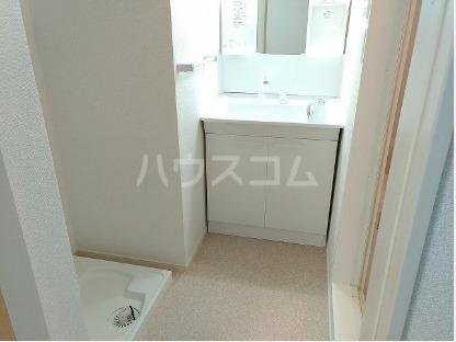 ソレアード・S 103号室の洗面所