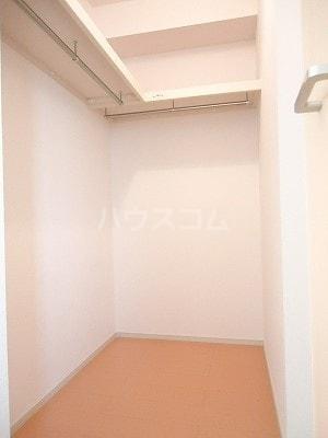 エルシアⅠ 01020号室の収納