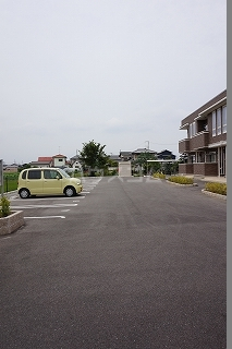 ラ・ルーチェⅡ 01020号室の駐車場
