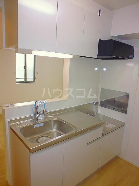 グランシュール Ⅲ 201号室のキッチン