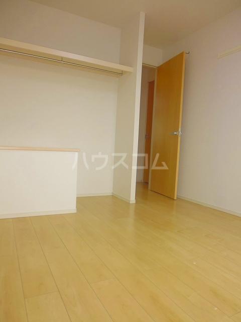 グランシュール Ⅲ 201号室のベッドルーム